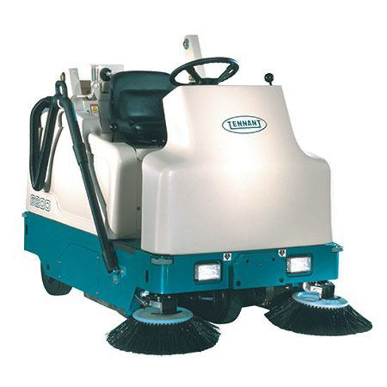 Picture of TENNANT 6200 COMPACT RIDER SWEEPER